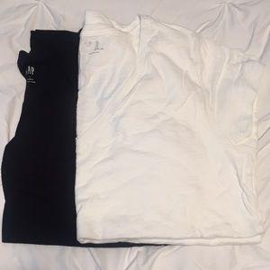 Gap black and white basic v-neck tees size Large